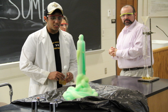 ACS Students making elephant toothpaste