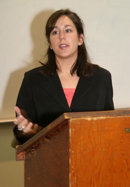 Laura Tharel