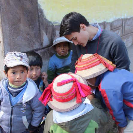 Brandon Trevino works with indigenous women in Peru while volunteering with the nonprofit organization, Awamaki.