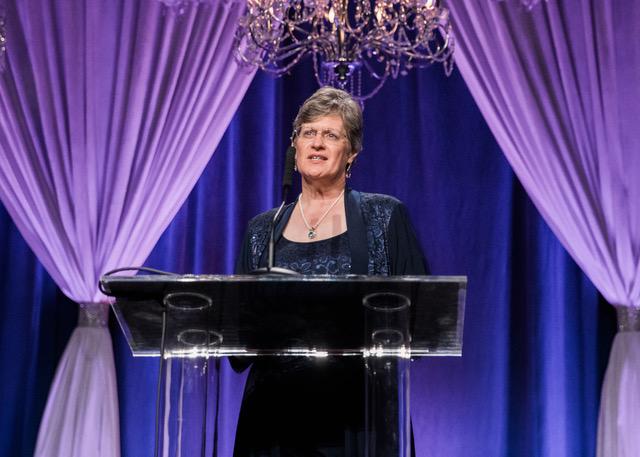 Dr. Linda Holzer