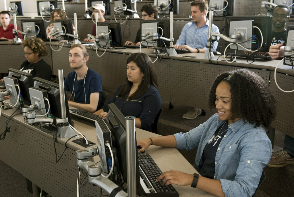 UA Little Rock engineering and information technology students learn in the classroom.