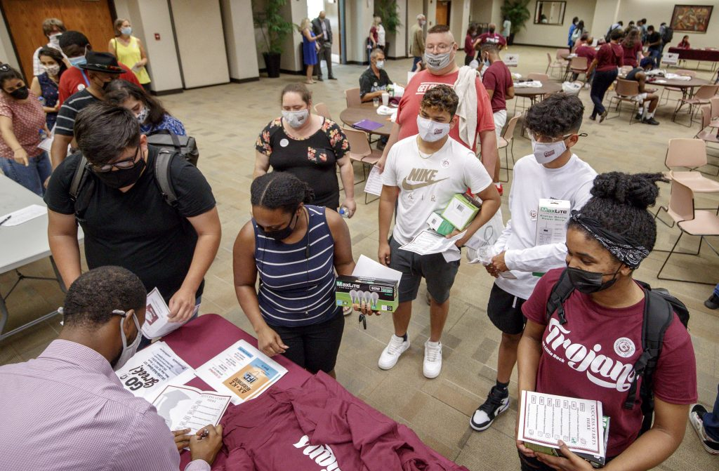 First-generation college students and new transfer students participate in a Welcome Week event to welcome them back to campus on Aug. 24. Photo by Benjamin Krain