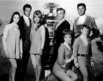 """Photo of cast from TV """"Lost In Space"""""""